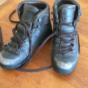 LL BEAN chocolate brown WIDE hiking boots